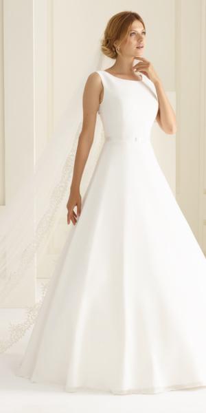 6761ee3be3a Unsere Brautkleider » Brautmoden Oprée