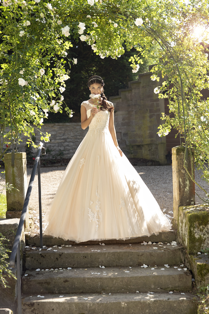 Brautkleid Sissi » Brautmoden Oprée